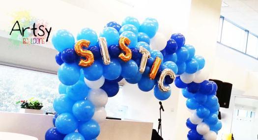 balloon decoration by Artsyballoons