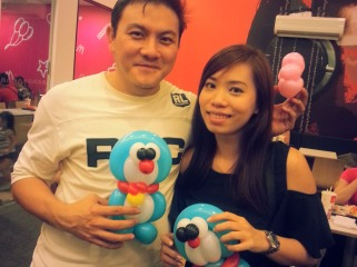 Cute Doraemon for this cute couple!