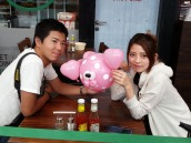 Balloon pig with heart shaped ears for this Japanese couple