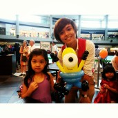 Took a photo with this cute little girl with her Minion!