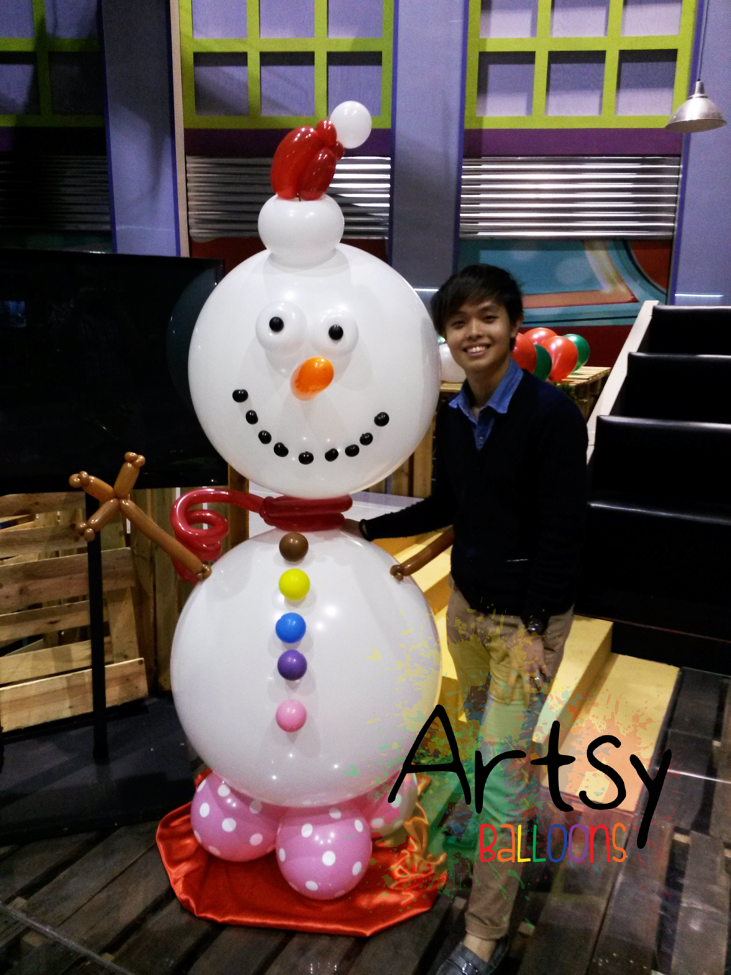 designs include balloon christmas trees life size balloon snowman