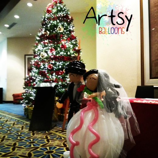 Life-size balloon wedding couple display decoration