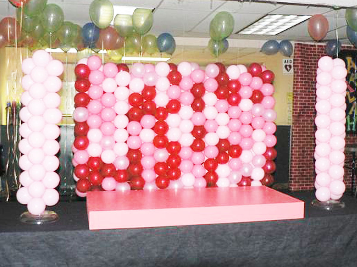Pink balloon backdrop decoration singapore balloon for Balloon backdrop decoration