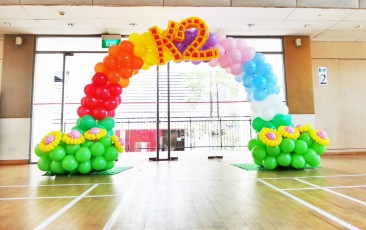 balloon rainbow arch decoration for K2!