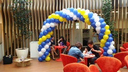 Simple 3 colour spiral balloon arch decoration