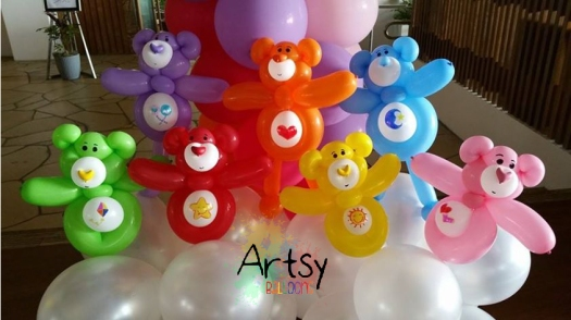 Balloon arch with carebears