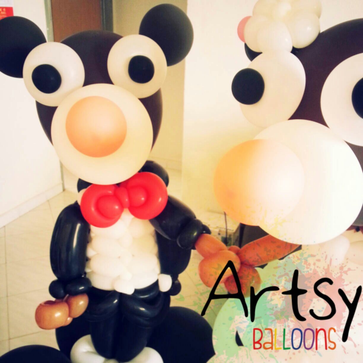 , A pair of large balloon bear sculpture!, Singapore Balloon Decoration Services - Balloon Workshop and Balloon Sculpting