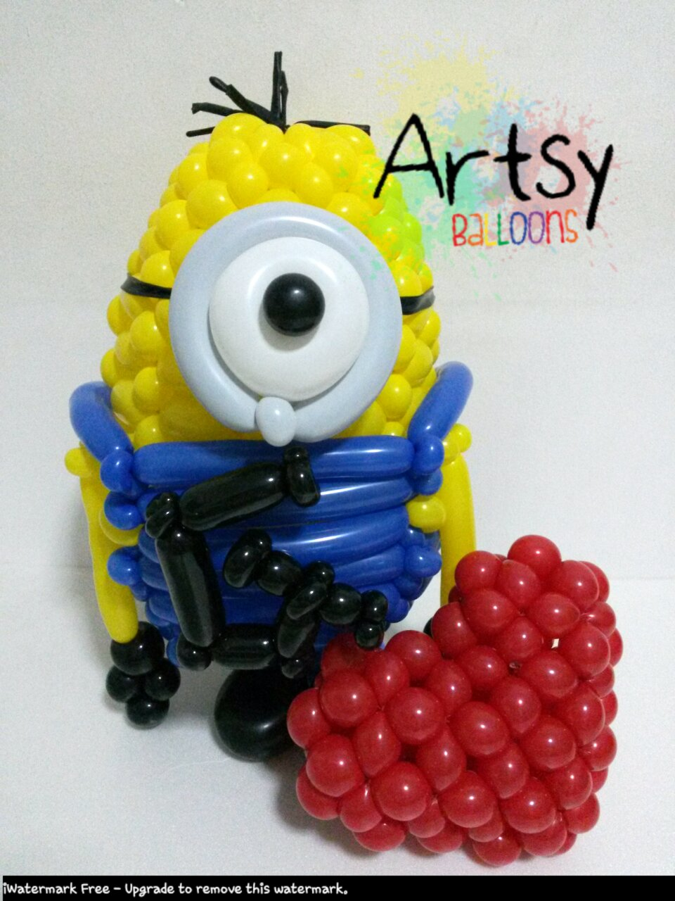 , Tried doing a very advance balloon minion from Despicable Me!, Singapore Balloon Decoration Services - Balloon Workshop and Balloon Sculpting