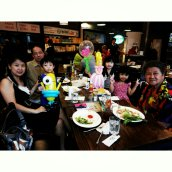 Balloon Sculpting at Krazy Burgers MBS 3