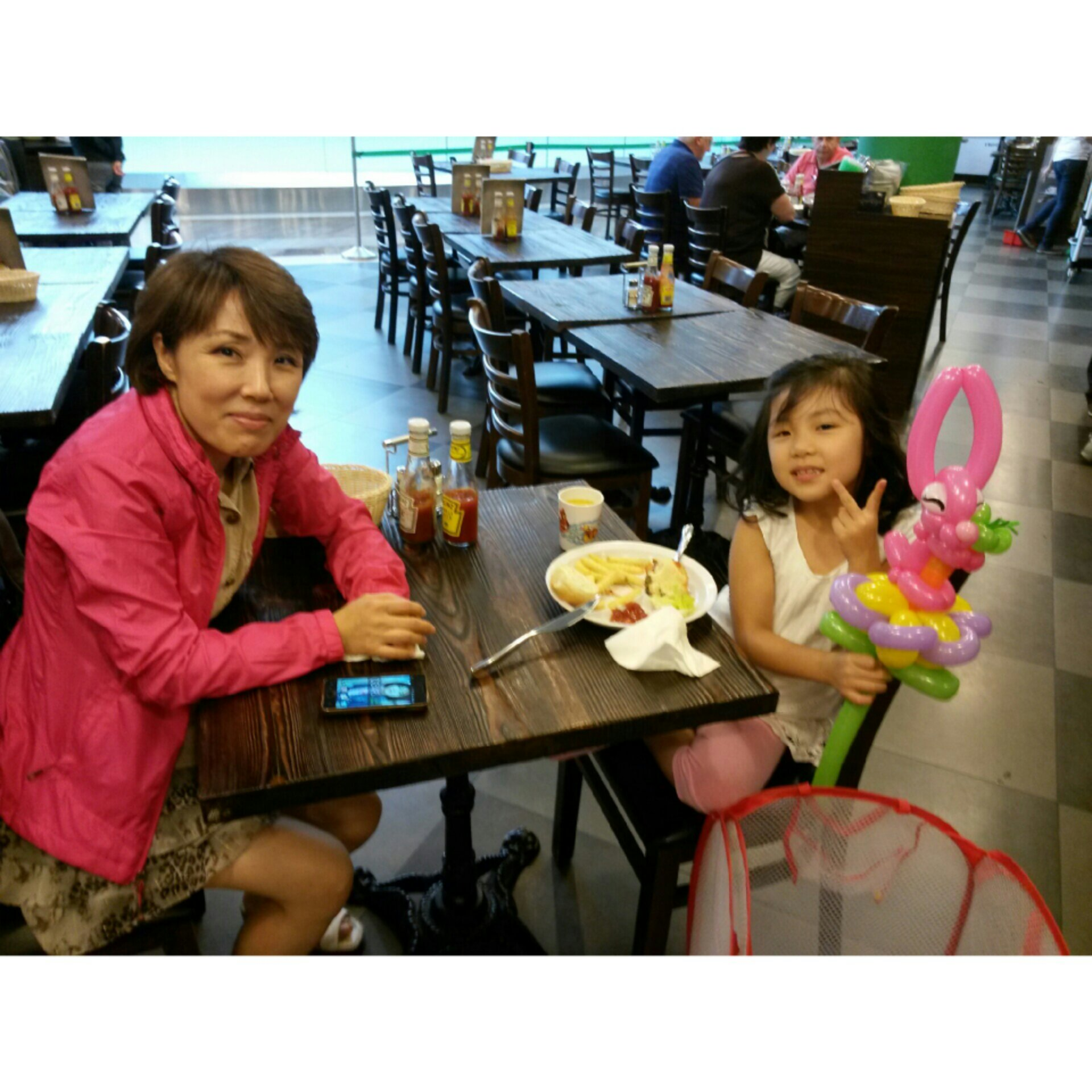 , Another day at Krazy Burgers!, Singapore Balloon Decoration Services - Balloon Workshop and Balloon Sculpting