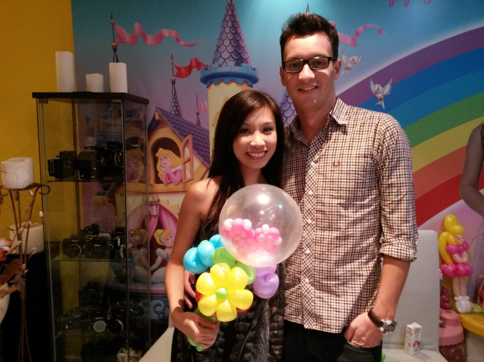 , A special balloon as a gift, Singapore Balloon Decoration Services - Balloon Workshop and Balloon Sculpting