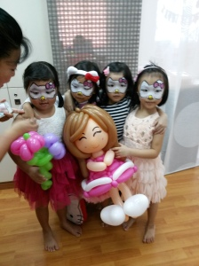 , Princess party + Balloon sculpting + Face Painting!, Singapore Balloon Decoration Services - Balloon Workshop and Balloon Sculpting
