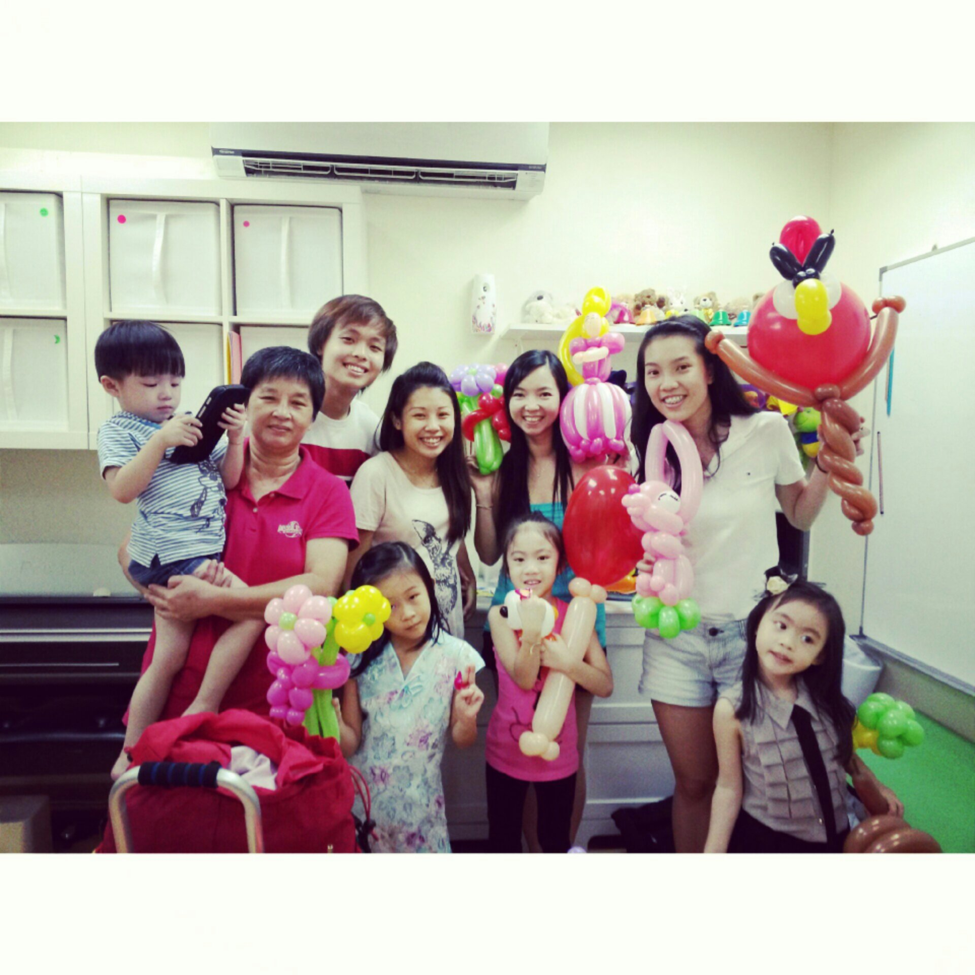 , Balloon sculpting at a local singapore childcare!, Singapore Balloon Decoration Services - Balloon Workshop and Balloon Sculpting
