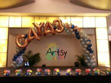 Balloon simple Spiral Arch with Gold balloon foil alphabets