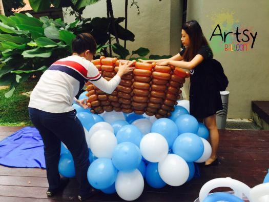 Fixing the balloon Noah's Ark (2)