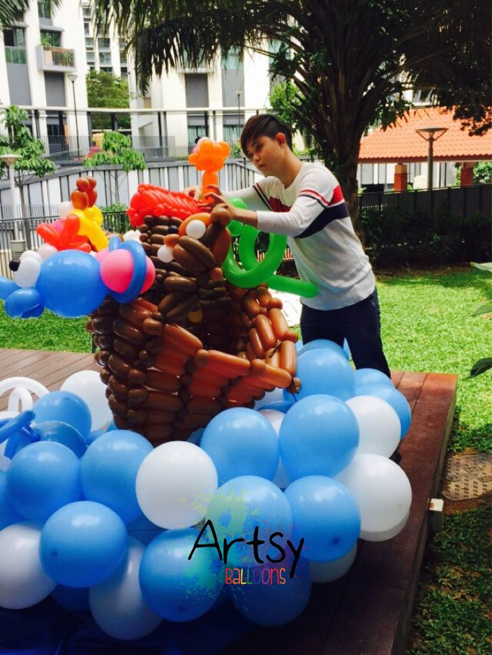Balloon noah s ark backdrop display singapore balloon for Noah s ark decorations