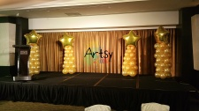 Balloon columns with star foil