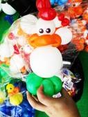 chicken balloon sculpture