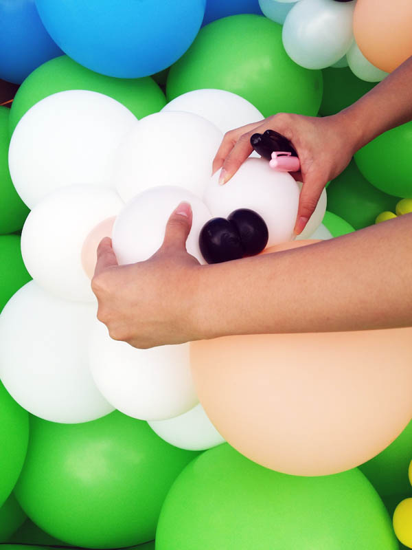 sheep balloon sculpture