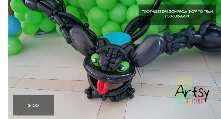 Toothless from How to train your dragon balloon sculpture