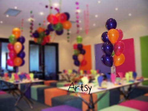 Helium balloon columns