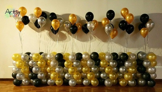 Classy balloon columns with helium balloons