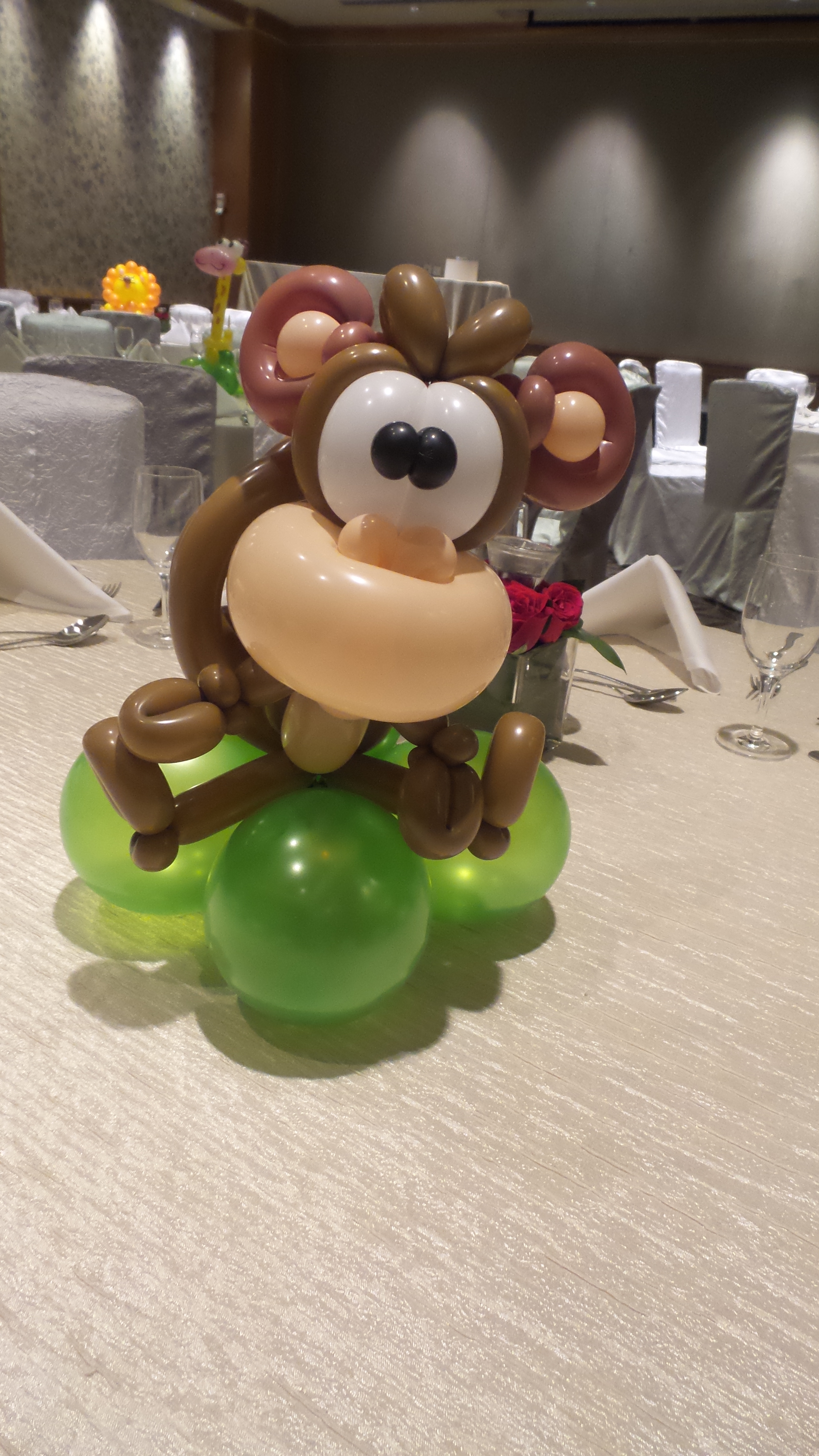 Balloon table centerpieces singapore decoration
