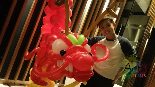 Ouji with balloon dragon head