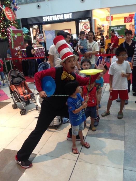 Roving jugglers