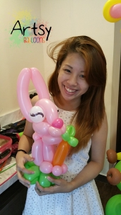 Balloon Sculpting Singapore for birthday parties and events balloon rabbit