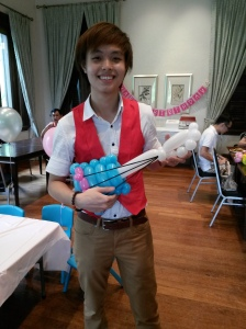 Balloon Sculpting Singapore for birthday parties and events balloon Guitar