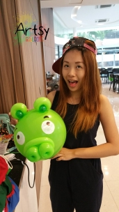 Balloon Sculpting Singapore for birthday parties and events balloon Angry Bird Pig balloon sculpture