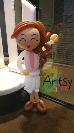 wpid-female-balloon-life-size-sculpture.jpg.jpeg