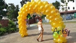 Pure gold balloon arch for birthday parties