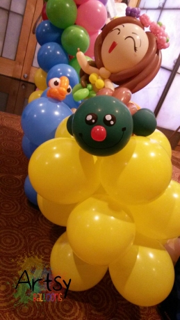 Hawaii themed balloon decoration (2)