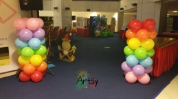 plain rainbow balloon columns