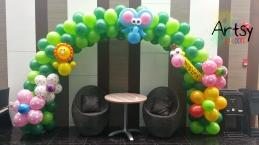Animal balloon arch