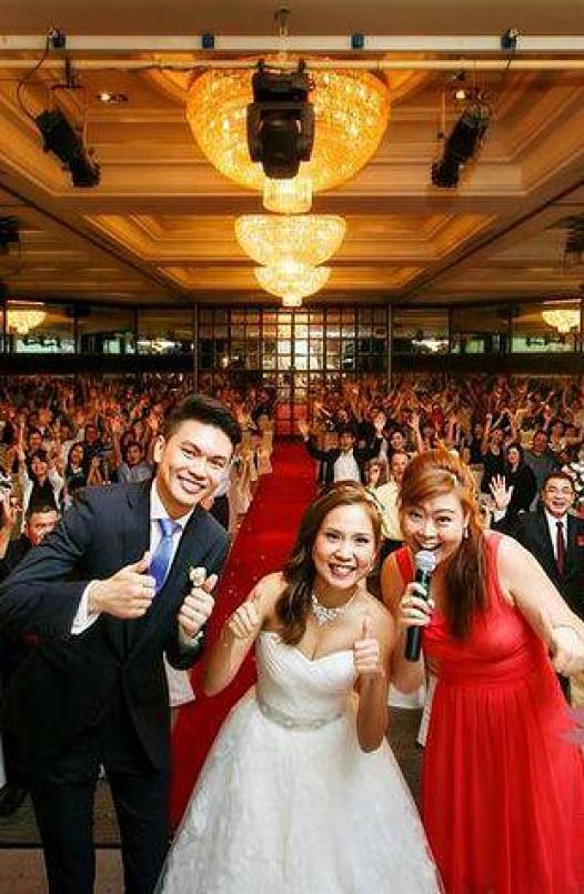 , Professional Emcee, Singapore Balloon Decoration Services - Balloon Workshop and Balloon Sculpting