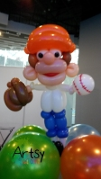 baseball player balloon sculpture