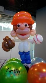 baseball player balloon sculpture