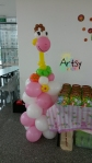 Giraffe animal balloon columns