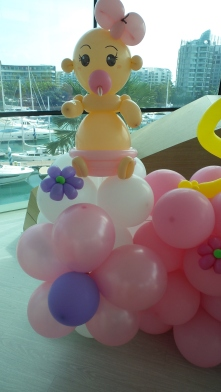 Balloon Sculpting Singapore for birthday parties and events balloon Baby sculpture
