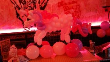 Balloon horse (2)