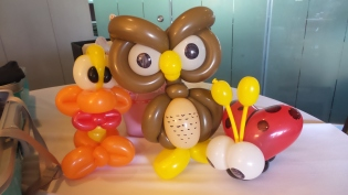 Balloon Sculpting Singapore for birthday parties and events balloon sculptures owl, duck, ladybug and more!