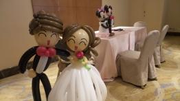 Balloon wedding couple (2)