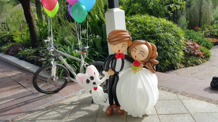 , Epic shot for my balloon wedding couple!, Singapore Balloon Decoration Services - Balloon Workshop and Balloon Sculpting