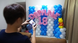 Daphne balloon backdrop with winnie the pooh (4)