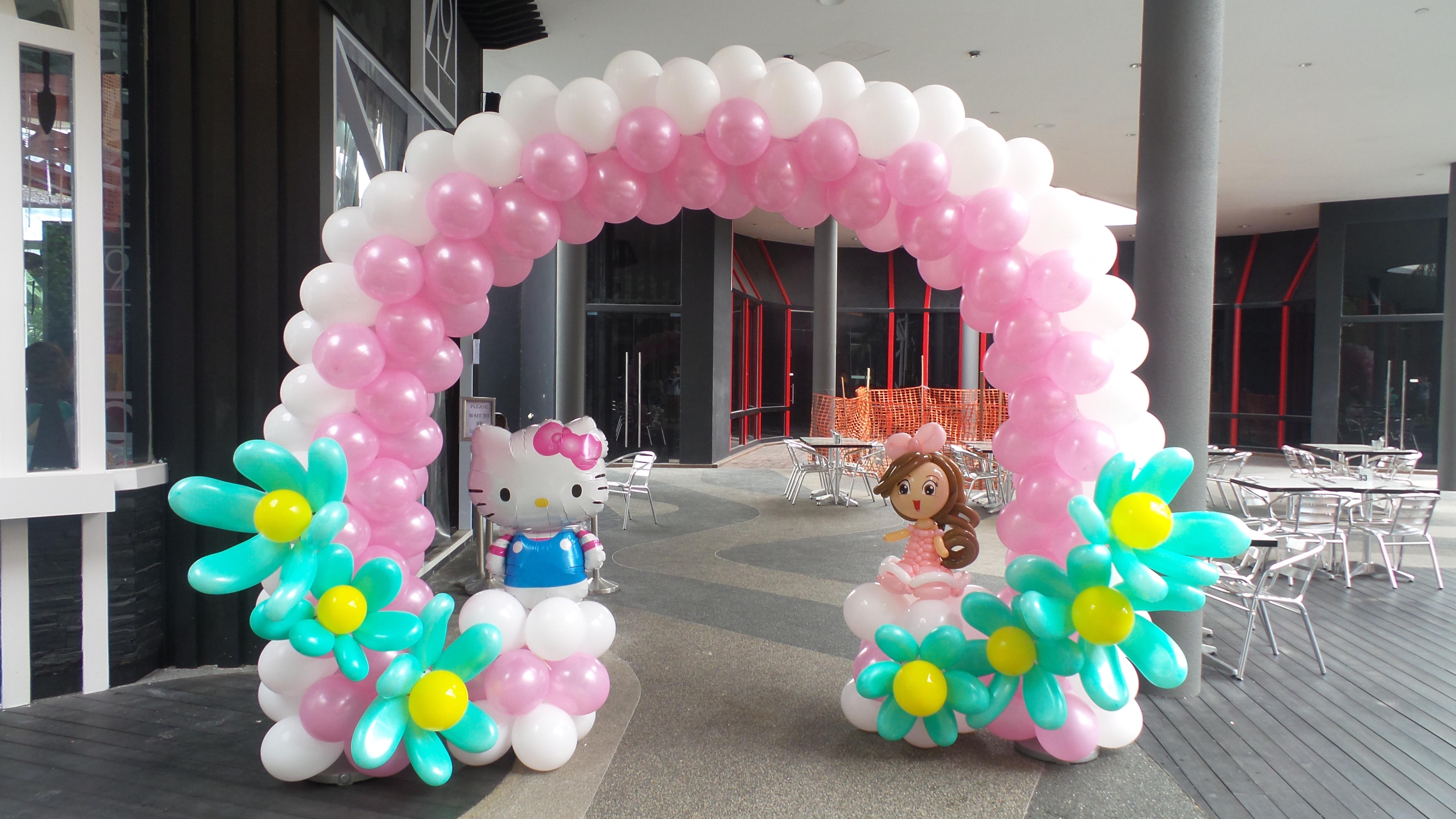 Hello Kitty Balloon Arch Singapore Balloon Decoration Services Balloon Workshop And Balloon Sculpting