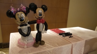 mickey and minnie balloon wedding couple (2)