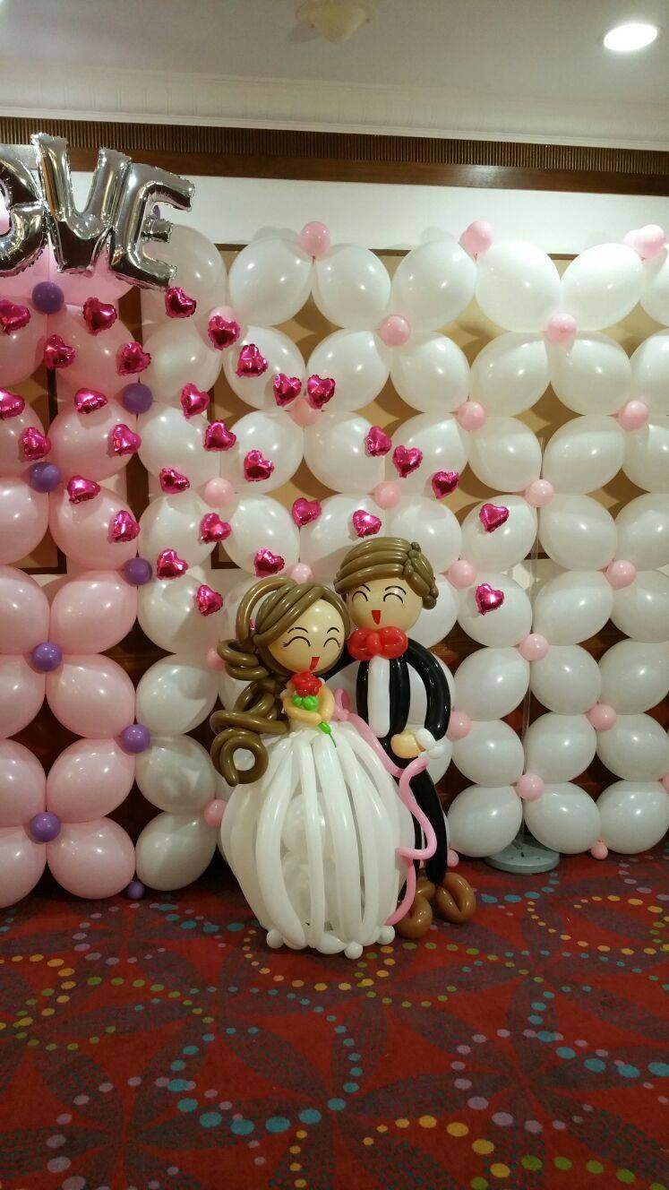 Balloon wedding decorations singapore balloon decoration for Balloon backdrop decoration